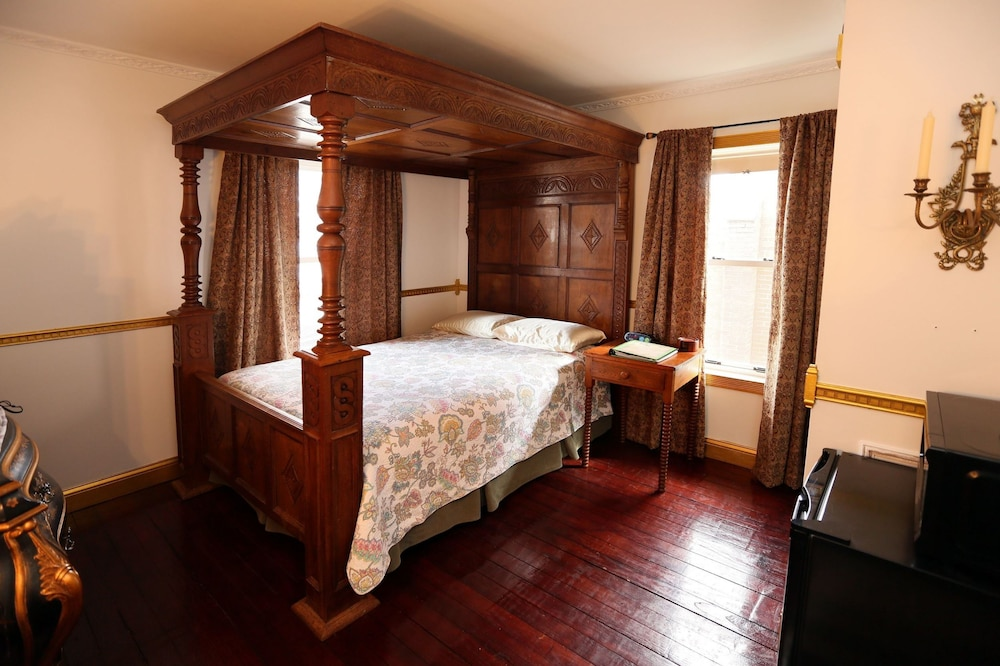 Room, The Old Parsonage Bed and Breakfast