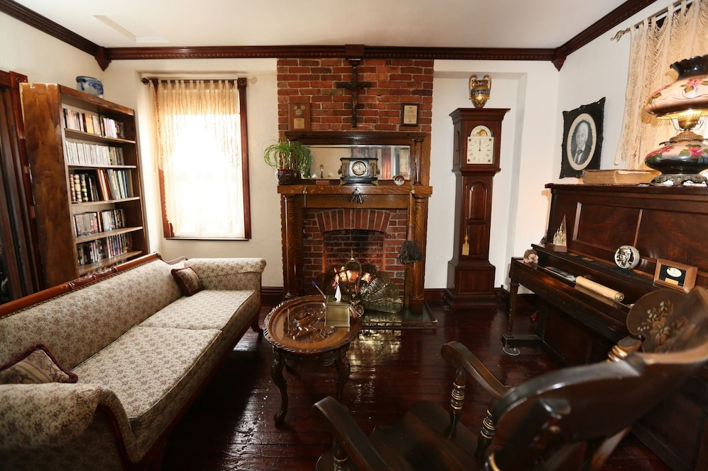 Interior, The Old Parsonage Bed and Breakfast