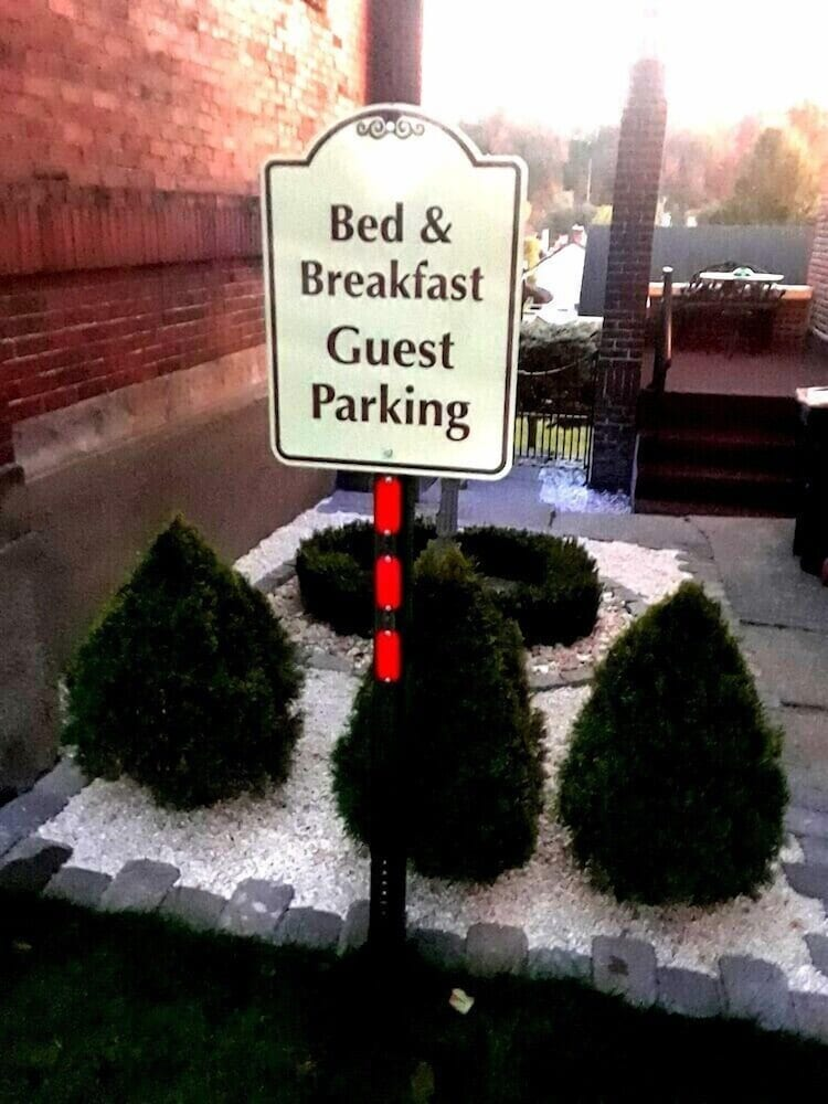 Parking, The Old Parsonage Bed and Breakfast