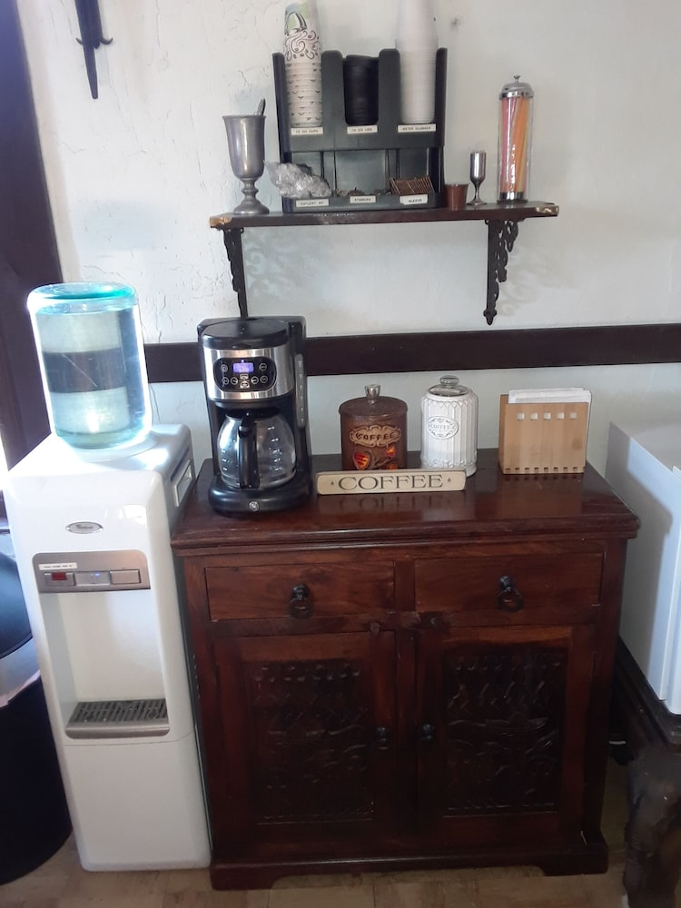 Coffee Service, The Old Parsonage Bed and Breakfast