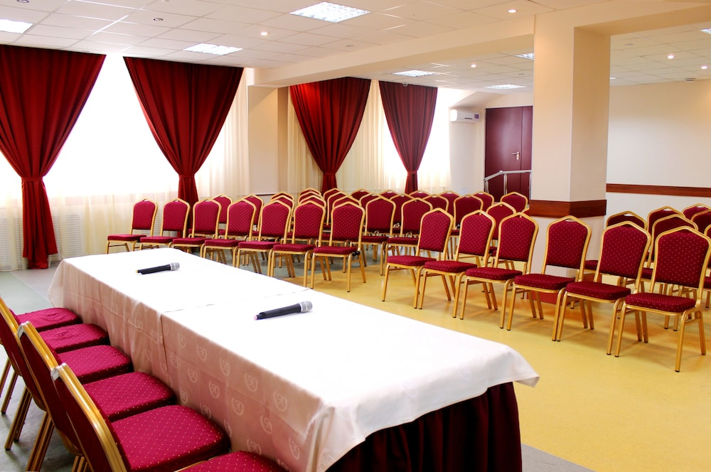 Amaks City Hotel  2019 Room Prices  23  Deals  U0026 Reviews