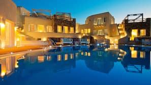 Seasonal outdoor pool, pool umbrellas, sun loungers