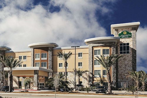 La Quinta Inn & Suites by Wyndham Houston Willowbrook