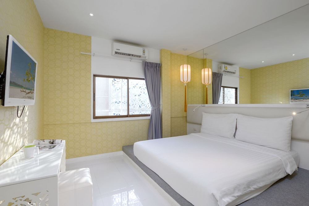 Sino imperial design hotel reviews photos rates for Design hotel phuket