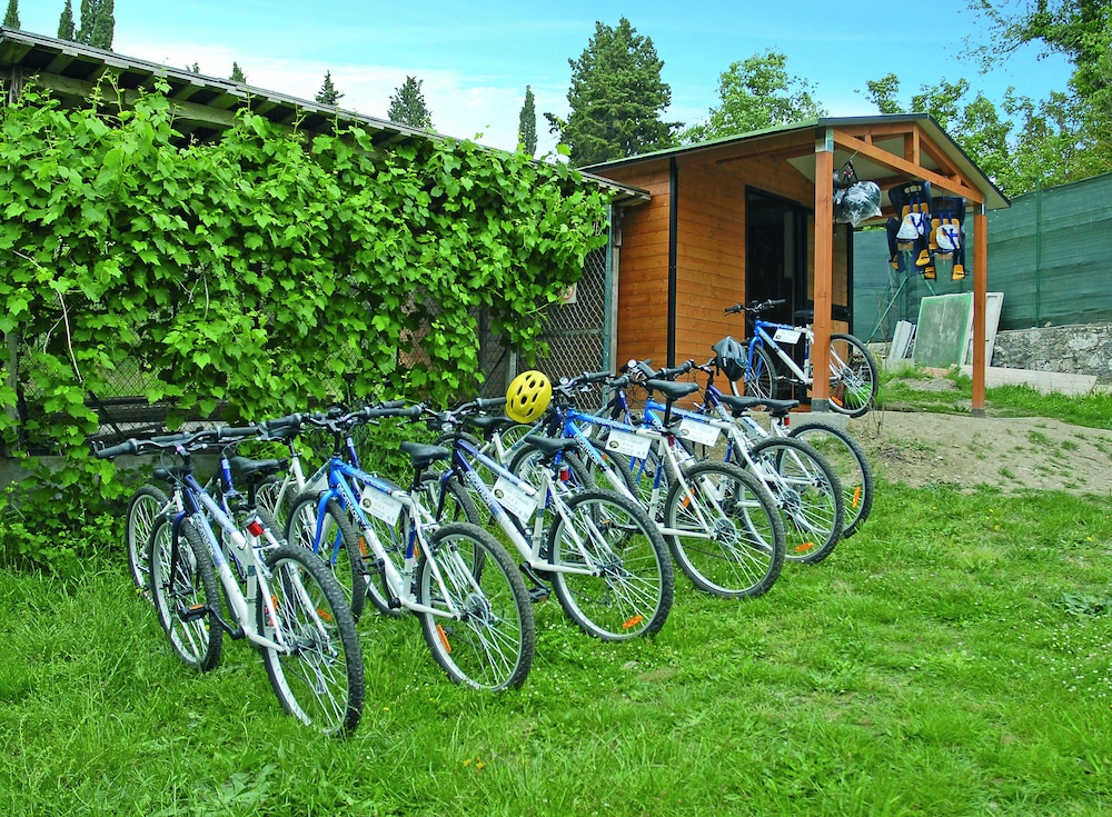 Bicycling, Villa Schiatti
