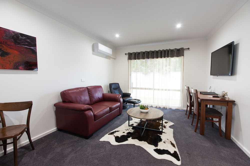 Addison Motor Inn In Shepparton Hotel Rates Reviews On