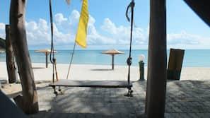 บนชายหาด, นวดบนชายหาด, วอลเลย์บอล, บาร์ริมหาด