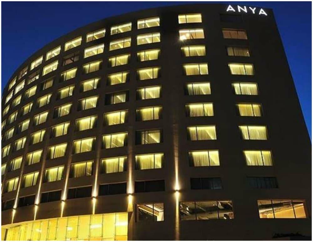 The Anya Hotel Gurgaon A Member Of Design Hotels Deals Reviews Gurugram Ind Wotif
