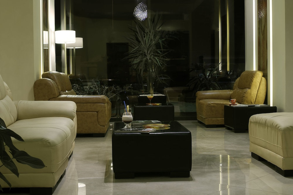 Lobby Sitting Area, Golden Time Hotel