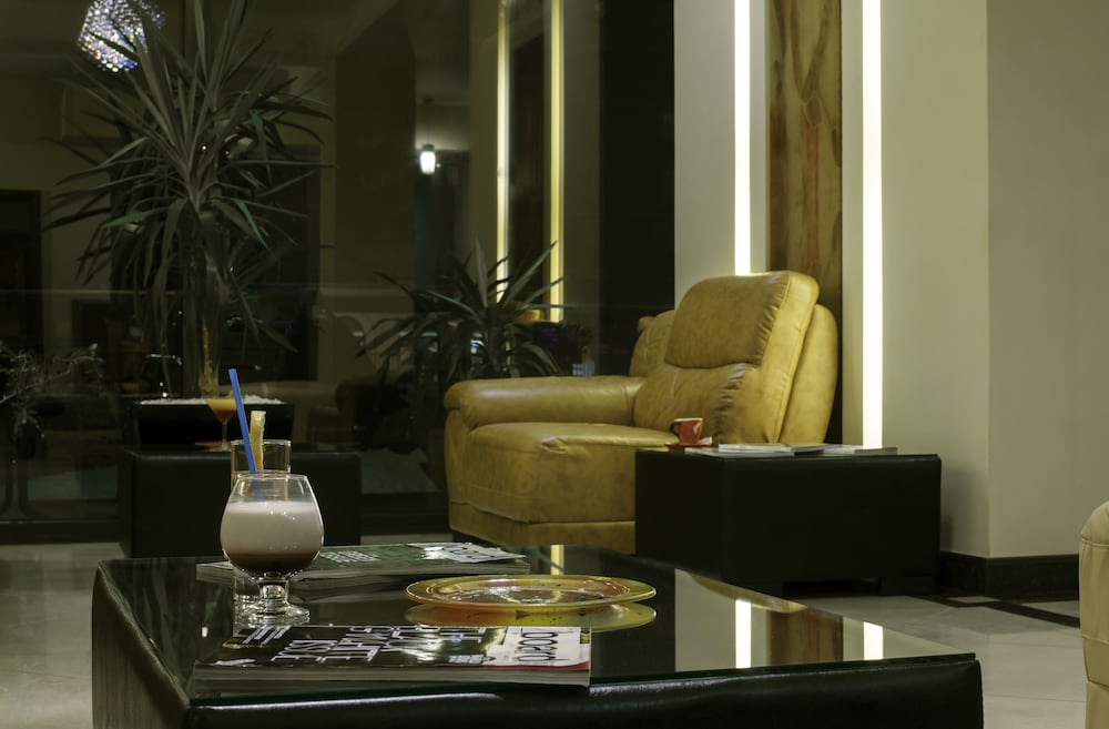Lobby Lounge, Golden Time Hotel