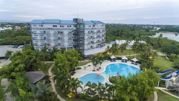 Solea Seaview Resort