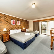 Hume Country Motor Inn