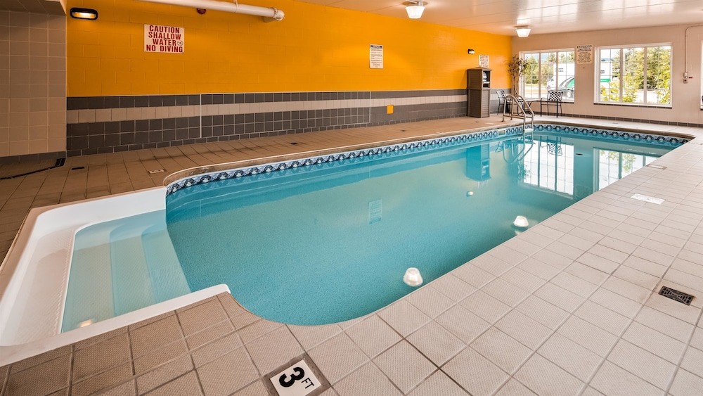 Pool, Best Western Milton
