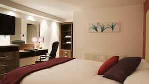 Memory foam beds, desk, iron/ironing board, WiFi