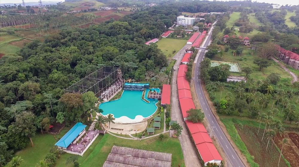 6ea31156d79111 Chateau Royale Hotel Resort and Spa in Nasugbu