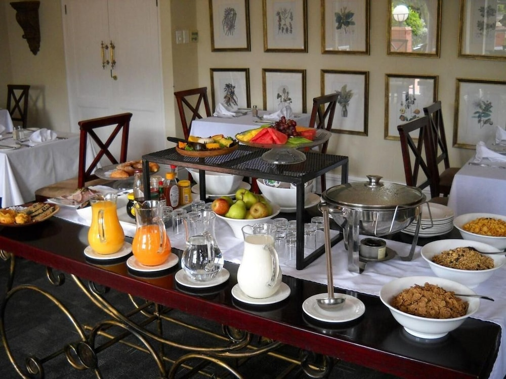 Breakfast buffet, Redlands Hotel