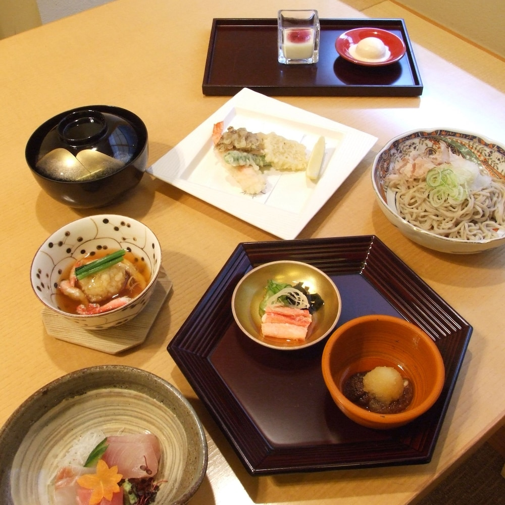 Food and Drink, Yours Hotel Fukui
