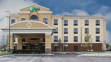 Holiday Inn Express & Suites Orlando East - UCF Area, an IHG Hotel