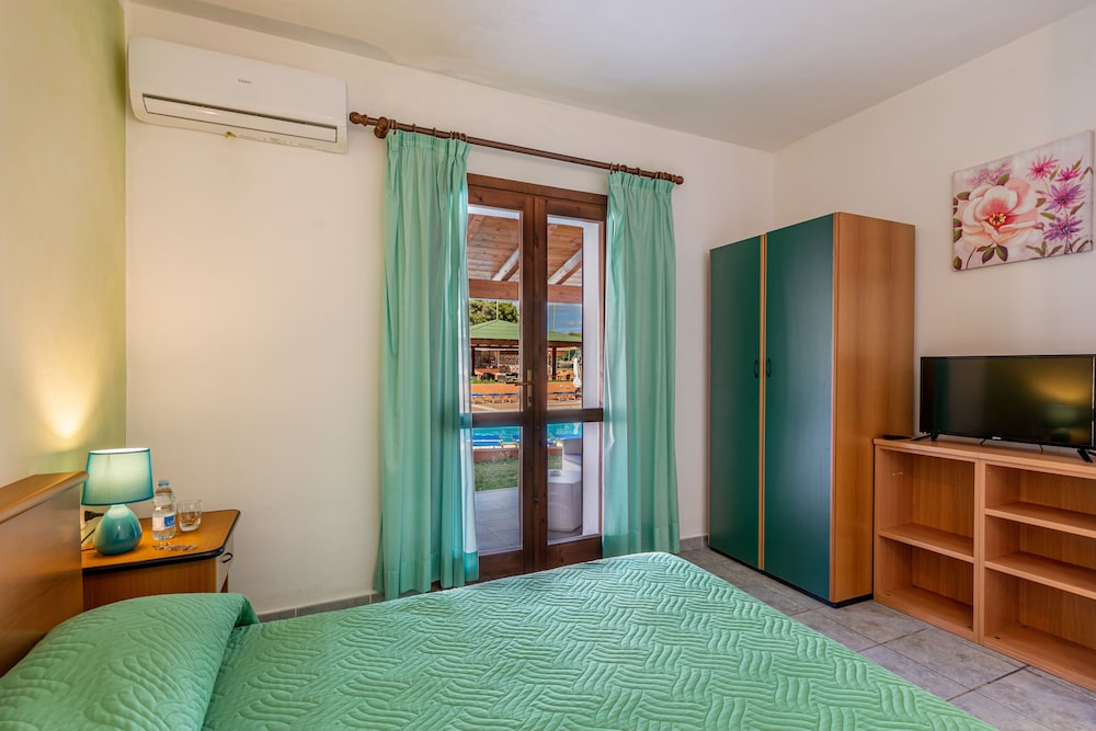 Room, Marina Manna Hotel & Club Village