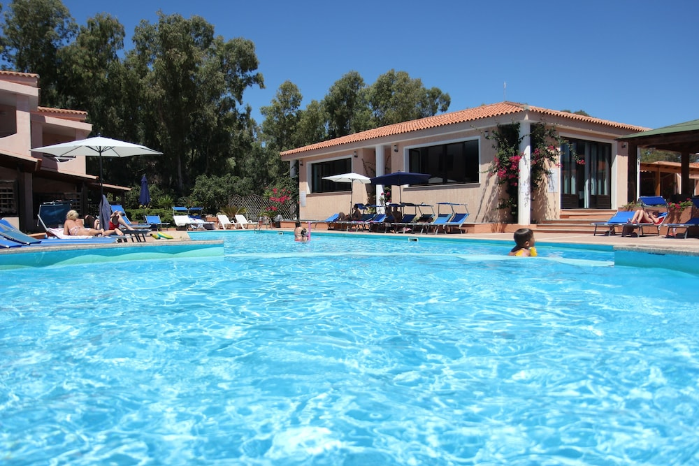 Children's Pool, Marina Manna Hotel & Club Village