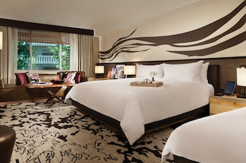 Nobu Deluxe Room, 2 Queen Beds - Guestroom