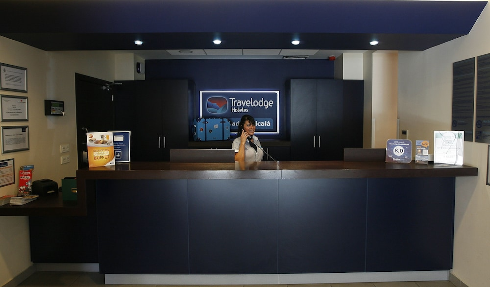 Reception, Travelodge Madrid Alcalá