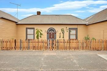 Robinson Cottage Tasmania Australia