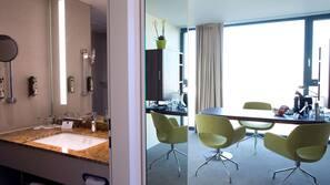 Minibar, Zimmersafe, Verdunkelungsvorhänge, schallisolierte Zimmer