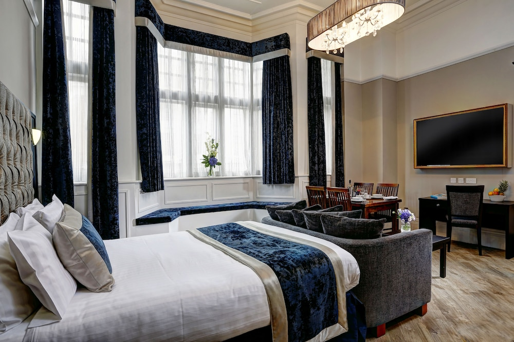 Room, The Richmond Apart-Hotel