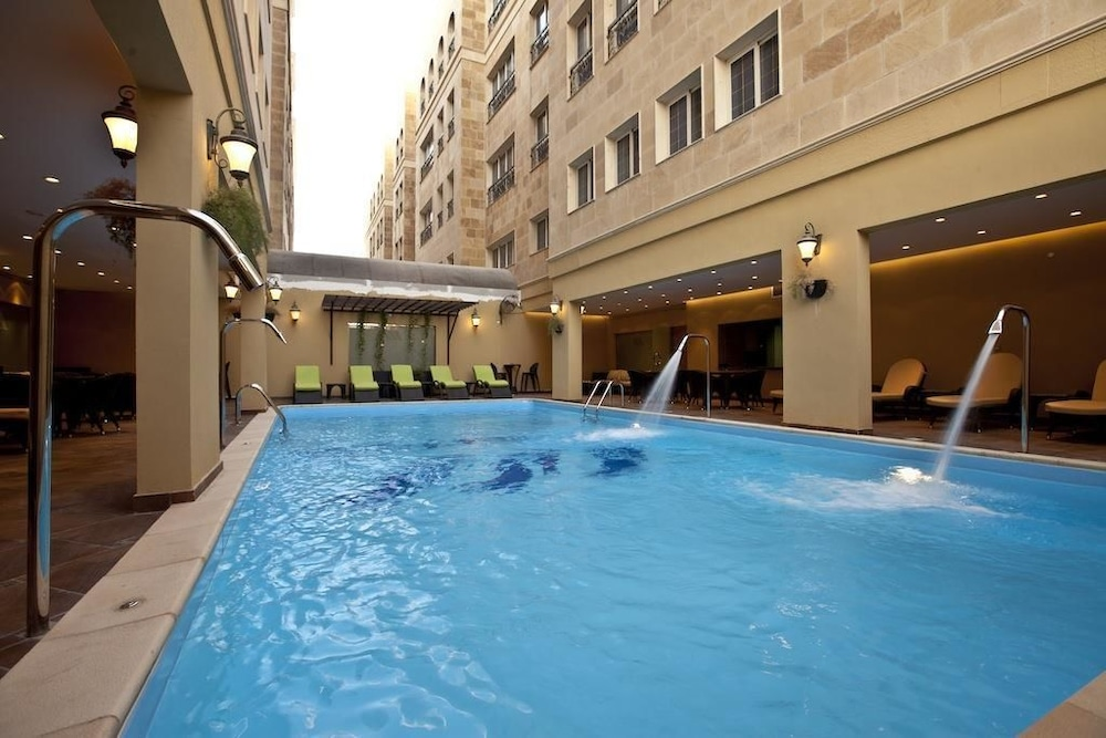 Outdoor Pool, Doha Downtown Hotel Apartment