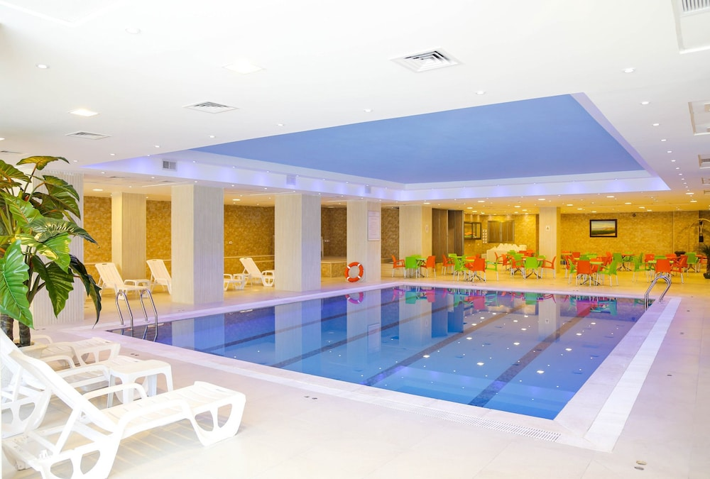 Indoor Pool, Ararat Hotel