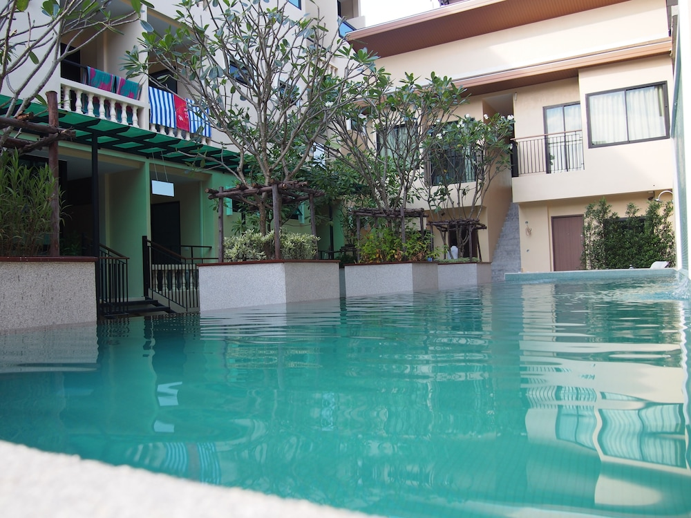 Book the wave patong boutique hotel patong hotel deals for Boutique hotel phuket