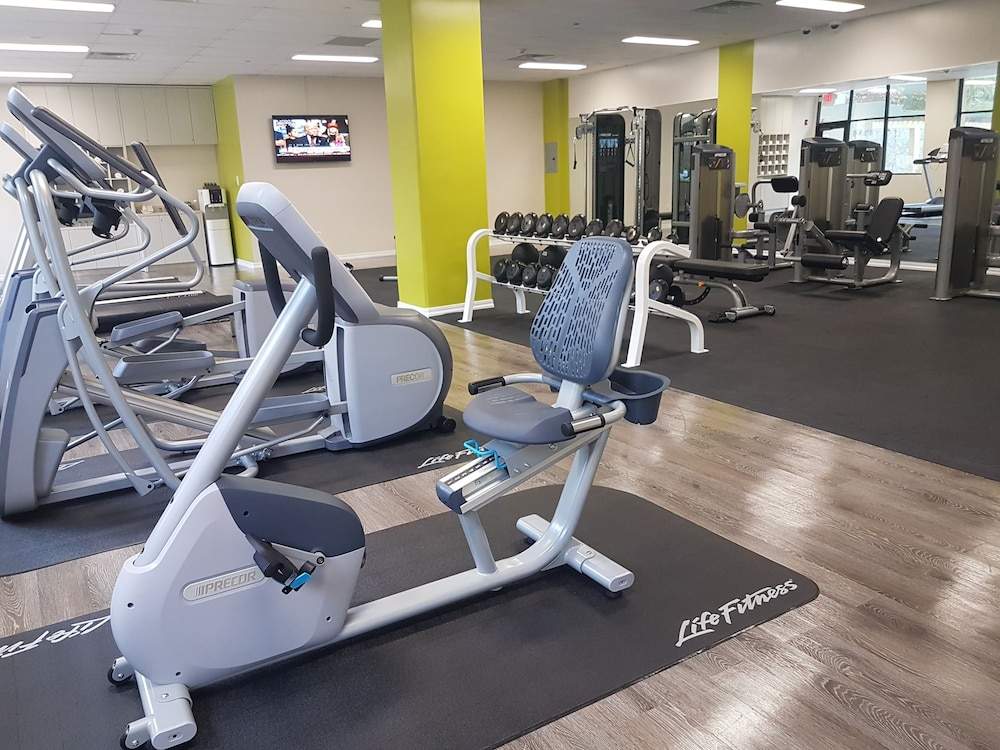 Gym, Guam Plaza Resort & Spa