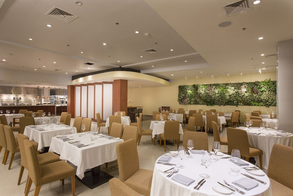 Restaurant, Guam Plaza Resort & Spa