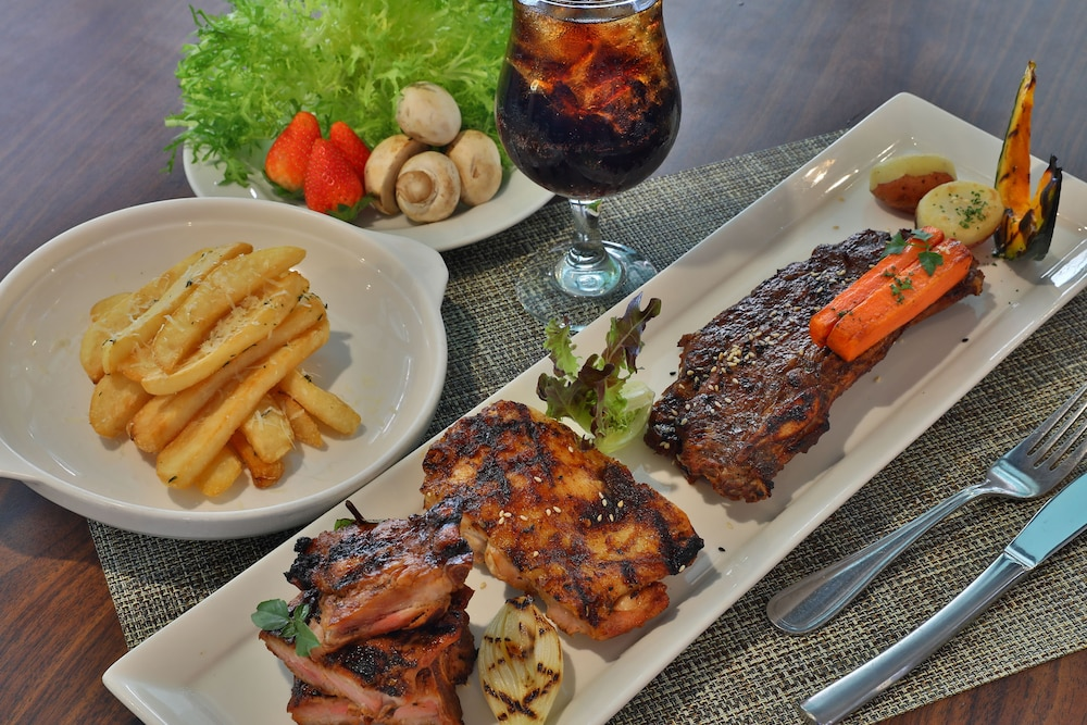 Food and Drink, Guam Plaza Resort & Spa