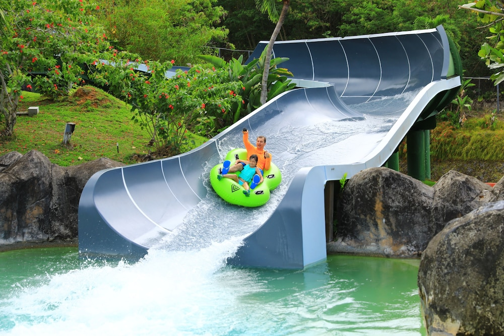 Waterslide, Guam Plaza Resort & Spa