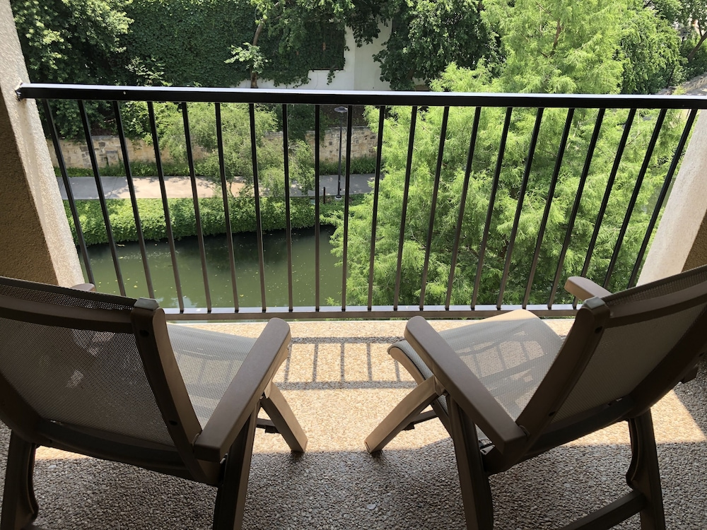 Balcony, Wyndham Garden San Antonio Riverwalk/Museum Reach