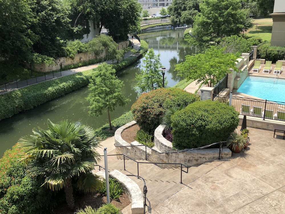 Aerial View, Wyndham Garden San Antonio Riverwalk/Museum Reach