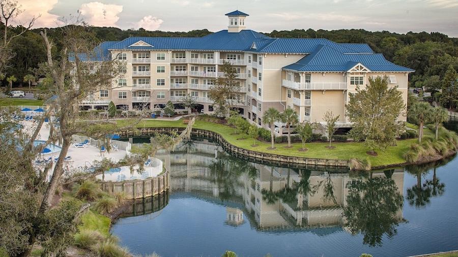 Bluewater Resort & Marina by Spinnaker Resorts