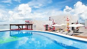 Außenpool, geöffnet von 06:30 Uhr bis 22:00 Uhr, Cabañas (kostenlos)