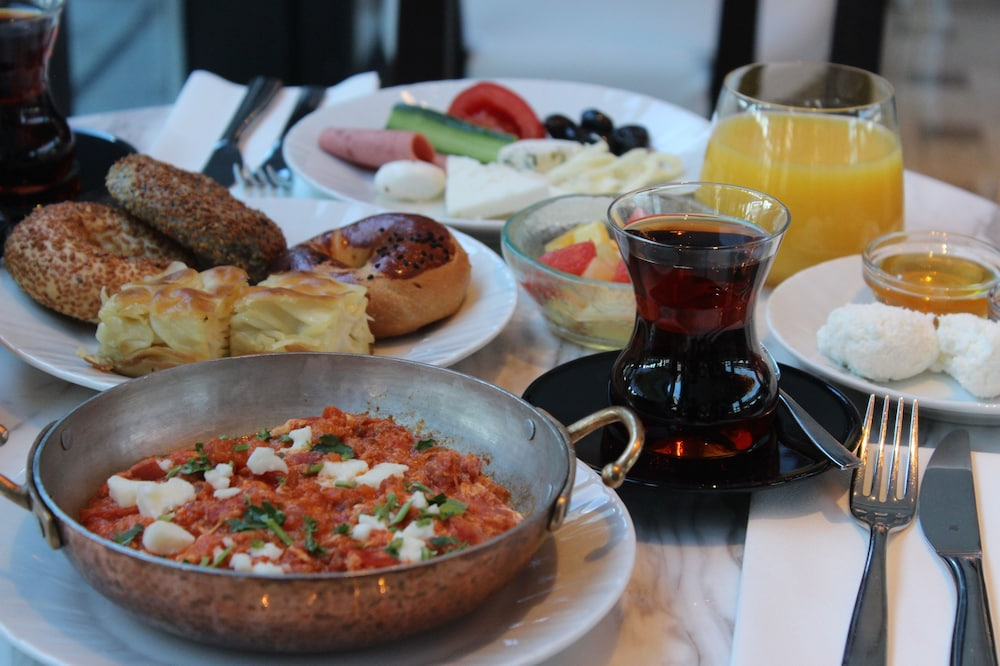 Breakfast Meal, Hilton Istanbul Bomonti Hotel & Conference Center