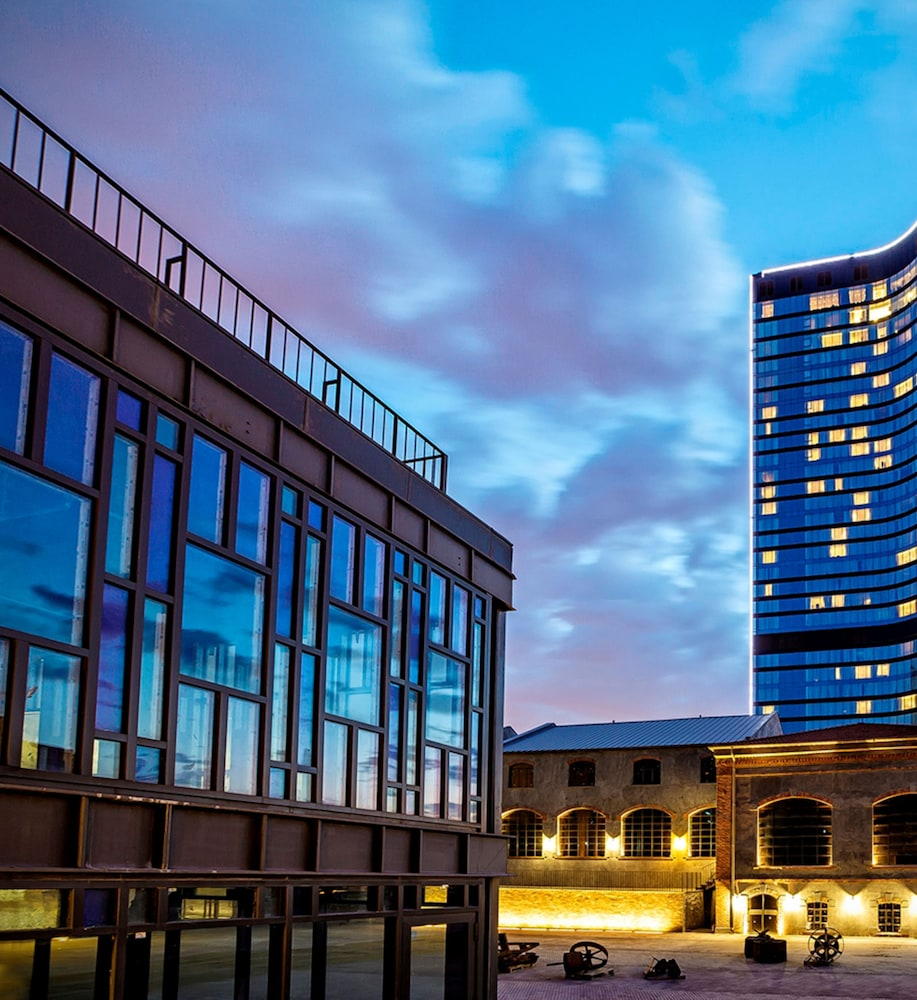 Front of Property - Evening/Night, Hilton Istanbul Bomonti Hotel & Conference Center