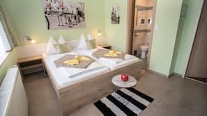 Biancheria da letto di alta qualità, una scrivania, Wi-Fi (a pagamento)