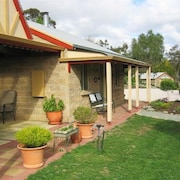 Riesling Trail and Clare Valley Cottages
