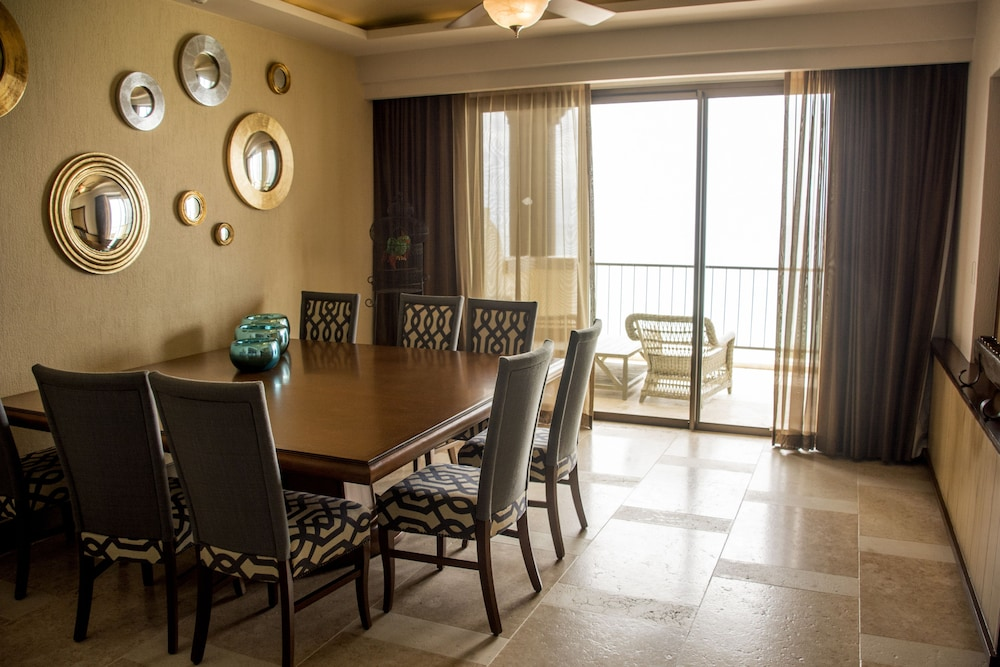In-Room Dining, Secrets Puerto Los Cabos All Inclusive - Adults Only