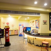 XIMEN HOLIDAY FUN HOTEL