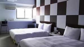 In-room safe, desk, WiFi, bed sheets