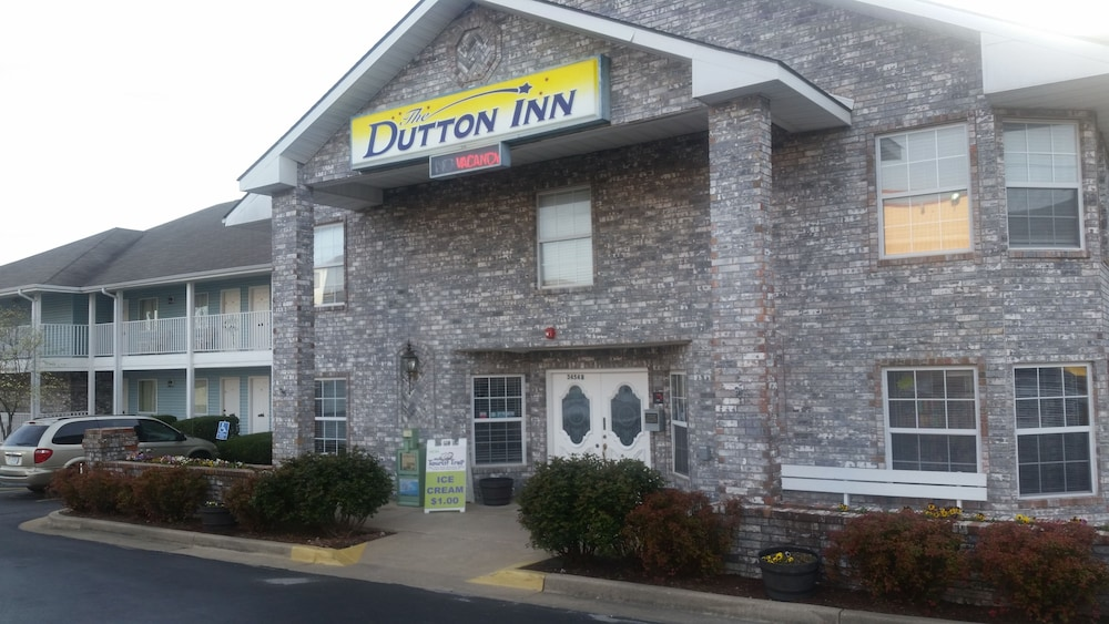 Dutton Inn (Branson, USA) | AARP® Travel Center