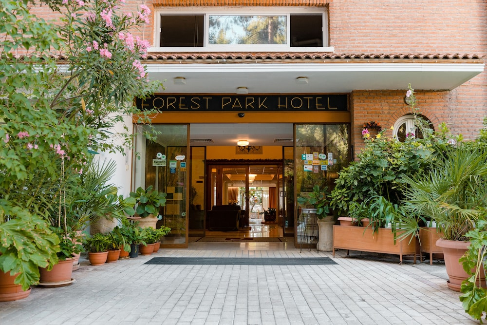 Featured Image, Forest Park Hotel