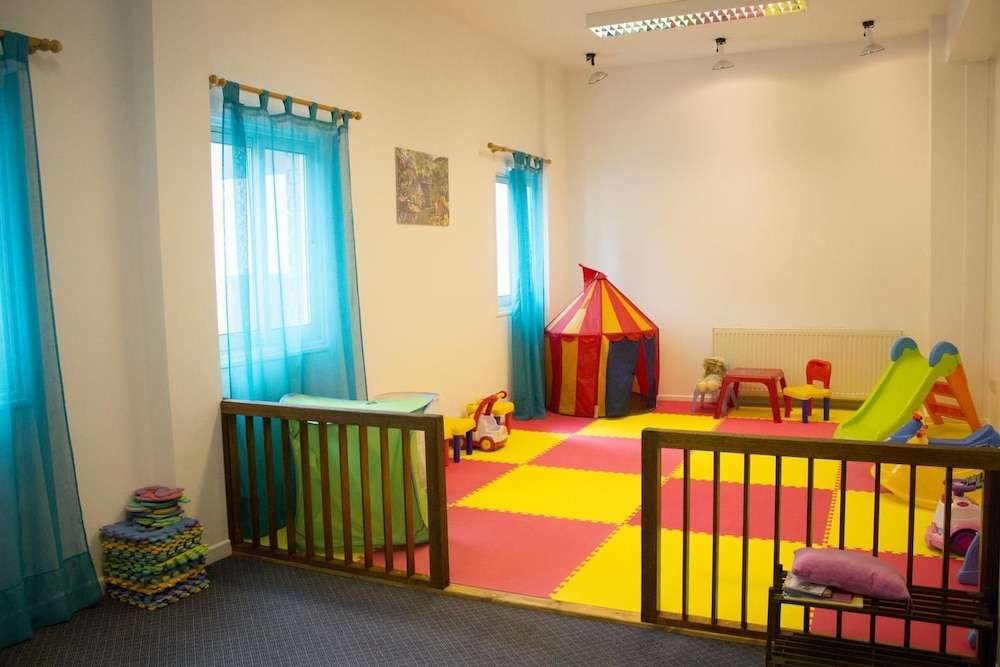 Children's Area, Forest Park Hotel